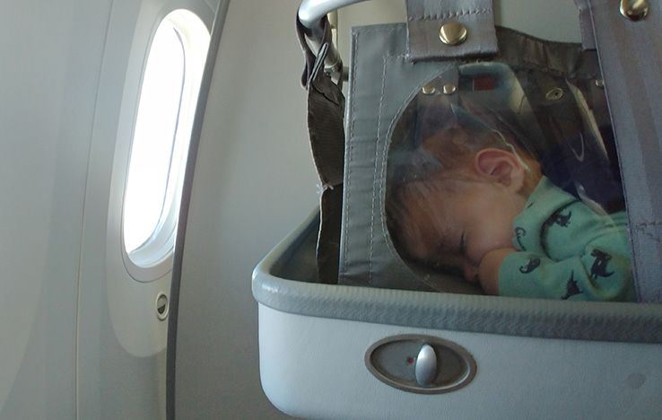 plane baby bassinet 2